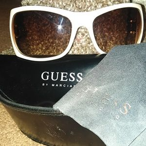 Guess vintage square sunglasses Excellent cond.